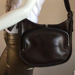 Rare Vintage Coach Kiss-lock Shoulder Bag.